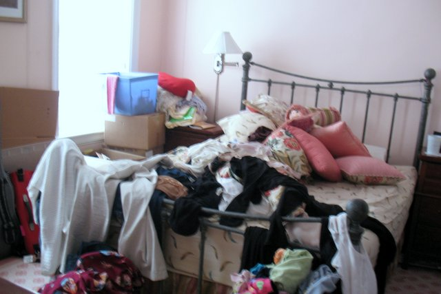 Before: The bedroom was used as a quick storage area.