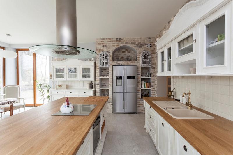 kitchen-with-stainless-steel-refridgerator
