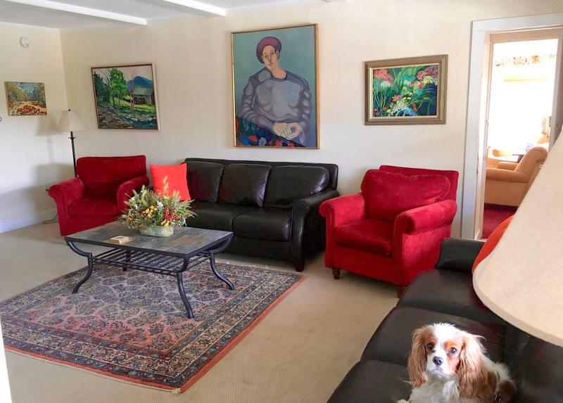 Living Room Strawberry Hill Villa
