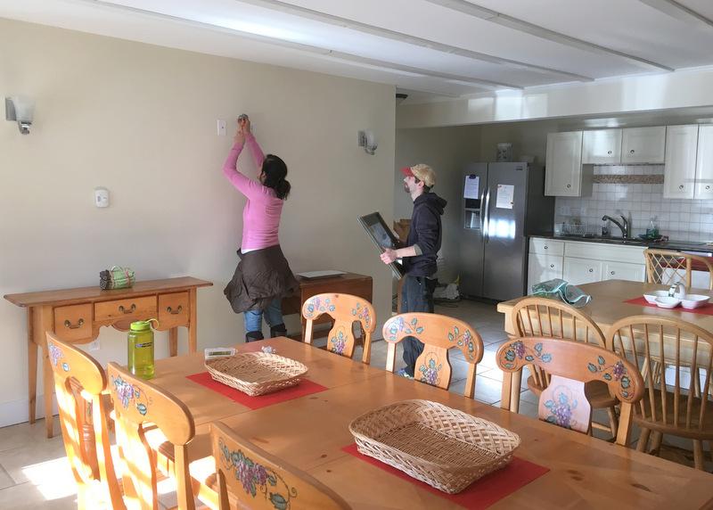 Maeve Strawberry Hill Villa Kitchen Hanging