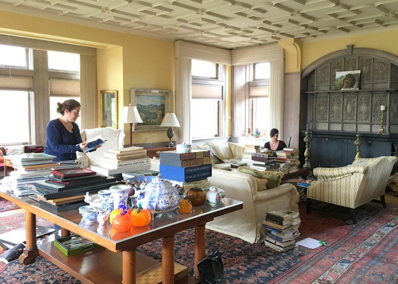 Wilburton Inn Library 2